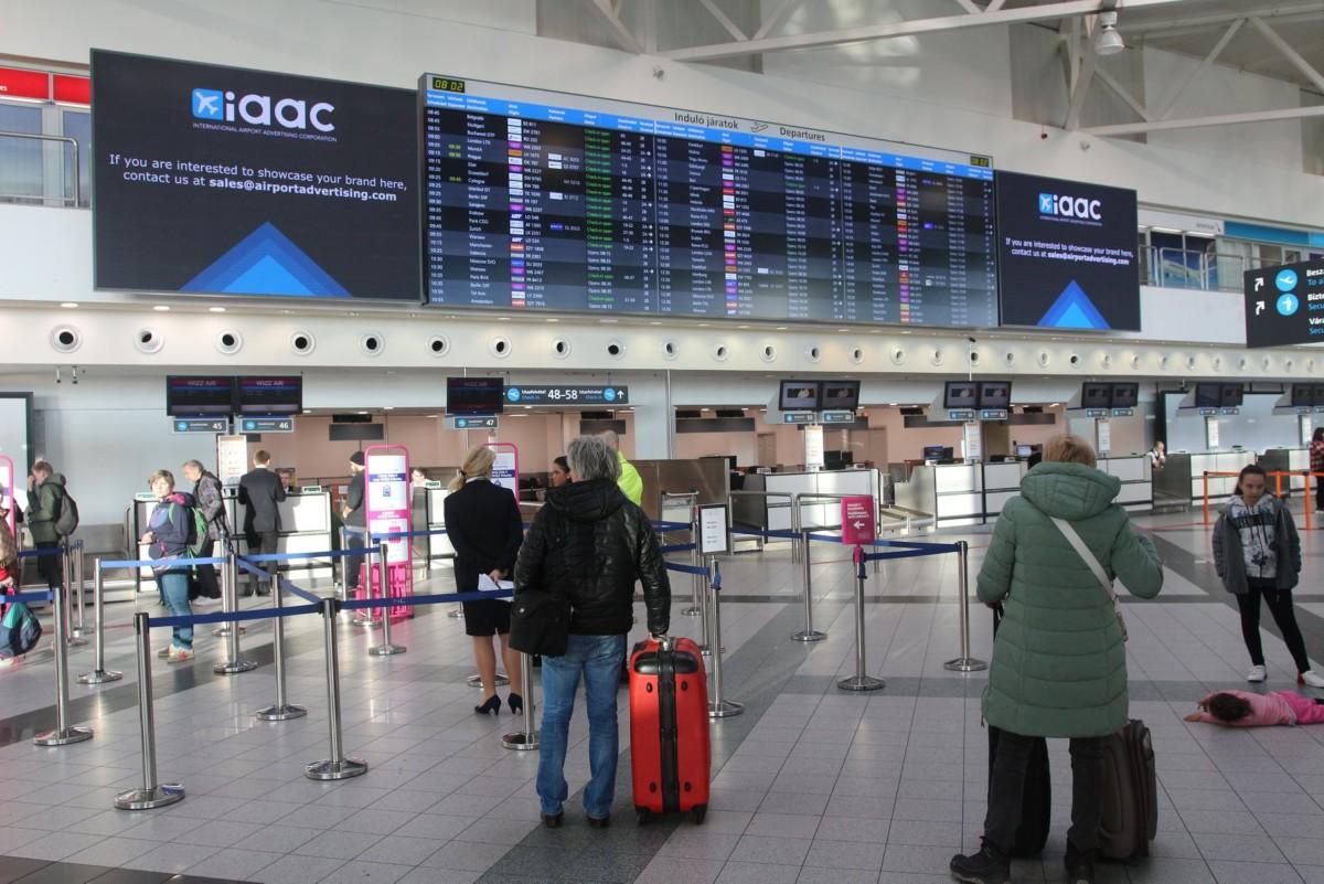 repülőtér check in